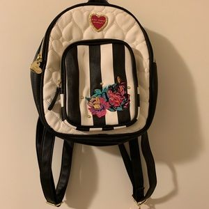 Betsy Johnson quilted heart rose back pack